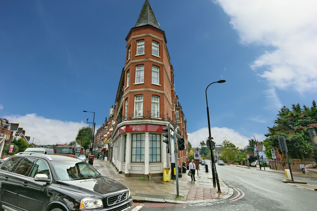 4 Bedroom Flat For Sale Burgess Parade Mansions Finchley