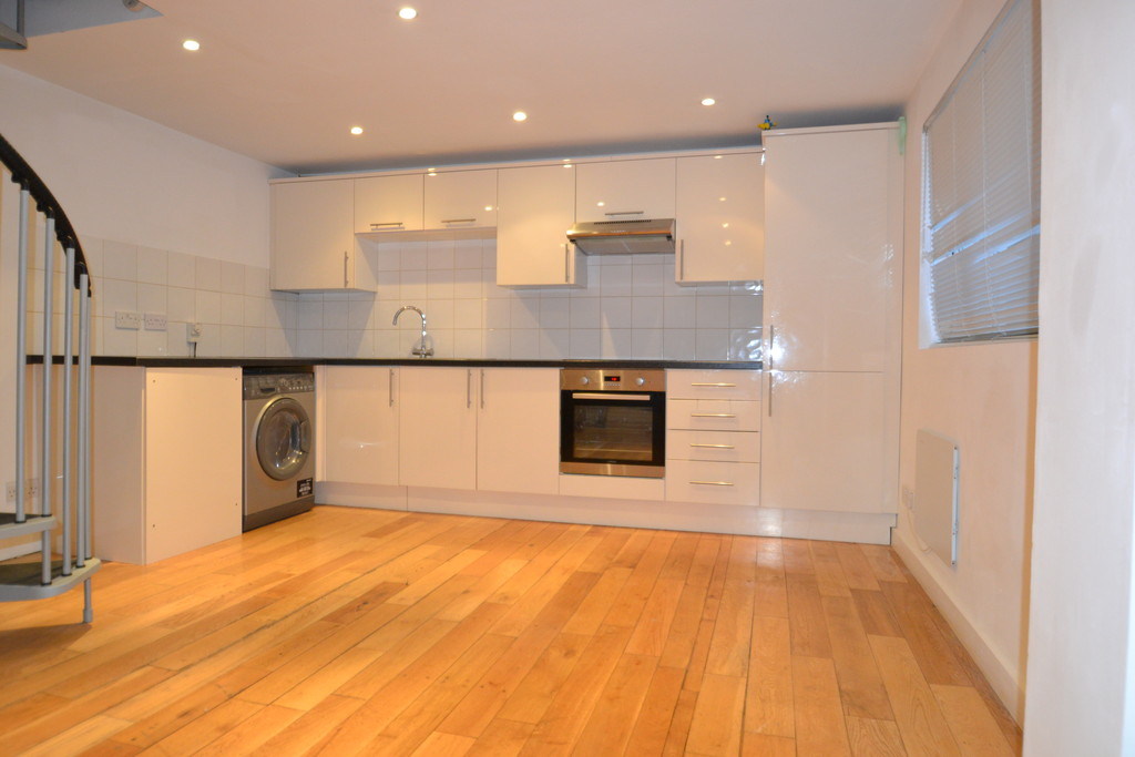 Room For Rent Kingston Hill