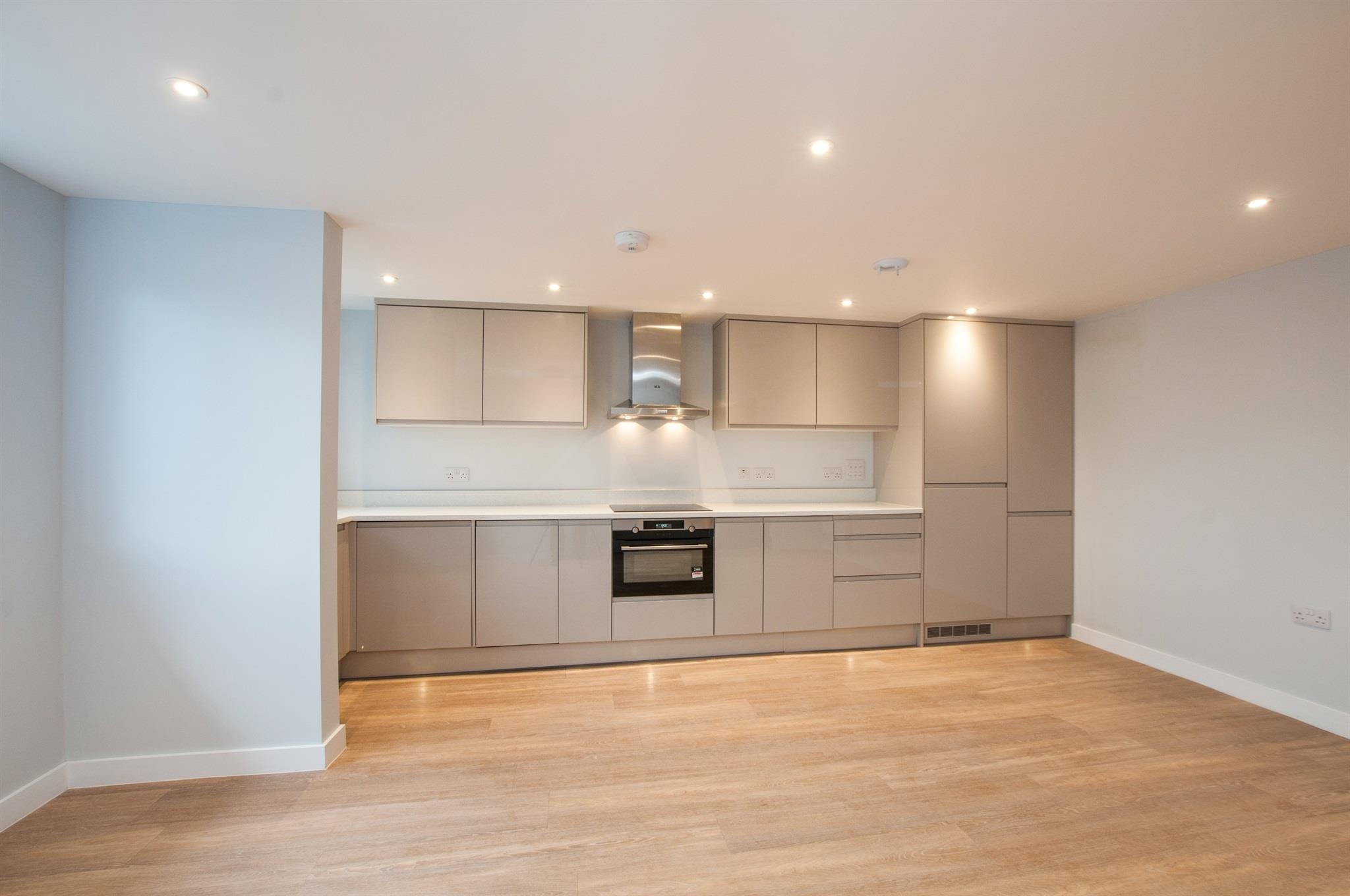 1 bedroom apartment for sale ray park avenue maidenhead for Park ave apartments for sale
