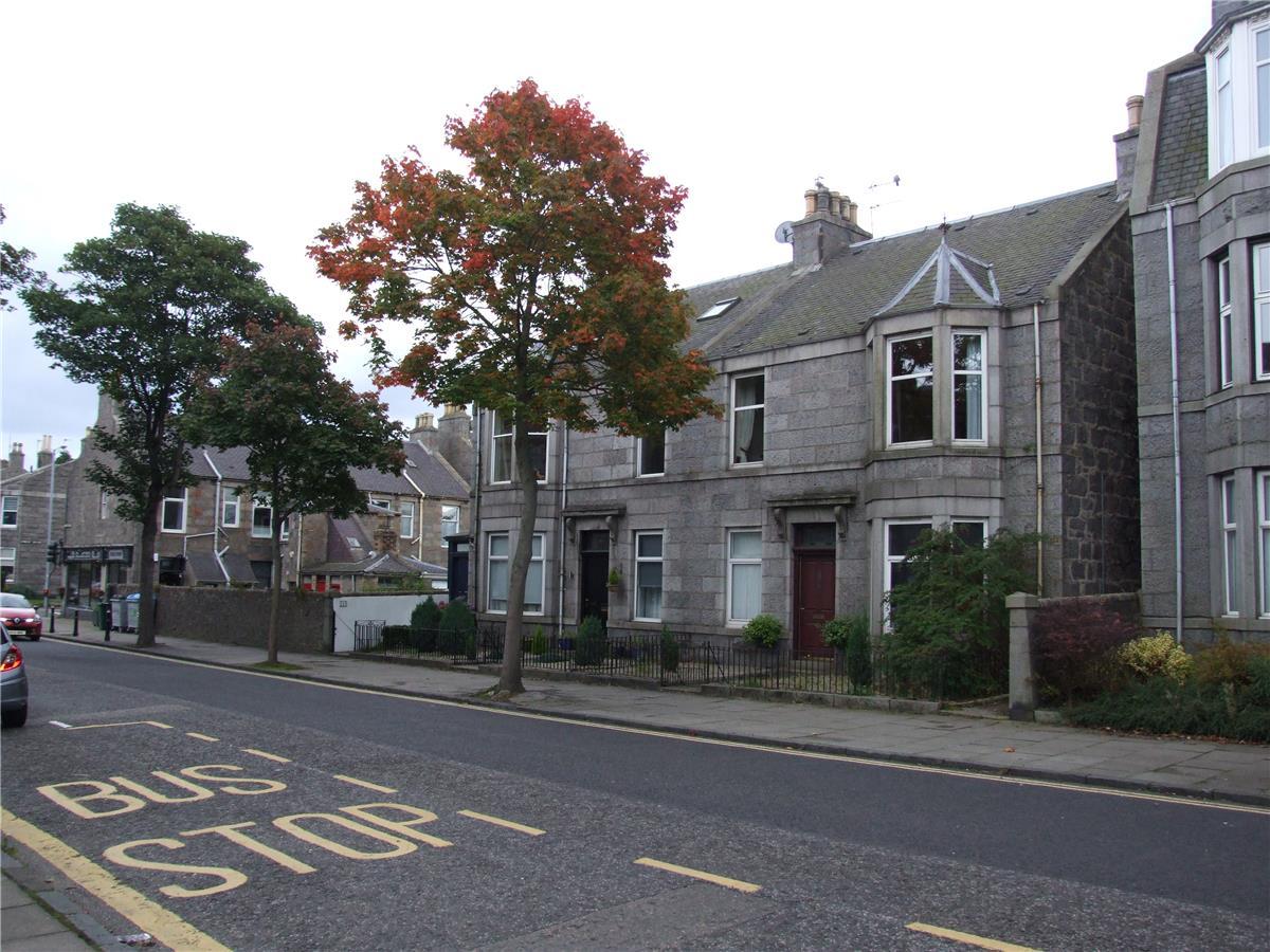 3 bedroom flat to rent Union Grove City Centre Aberdeen  : 56c07d138e2a446651b4a69e196d090d from www.thehouseshop.com size 1200 x 900 jpeg 176kB