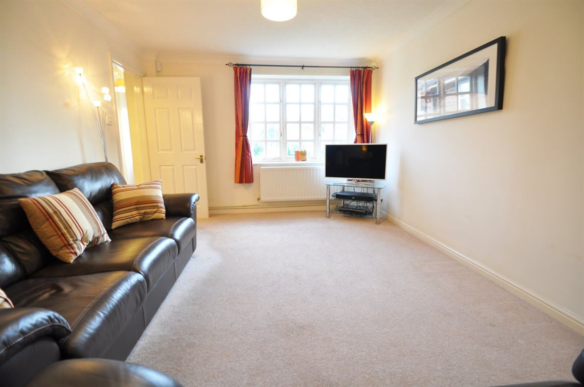 3 Bedroom Detached House To Rent Norden Meadows