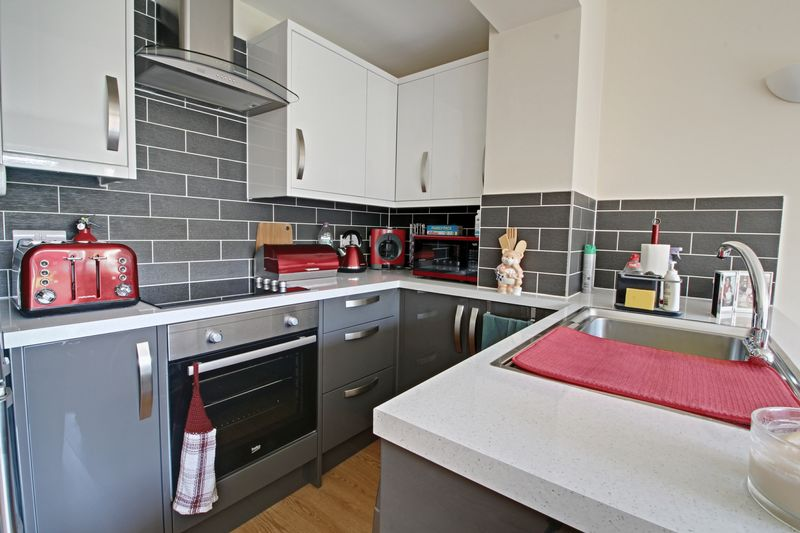 2 Bedroom Flat To Rent Church Lane Cheshunt Waltham