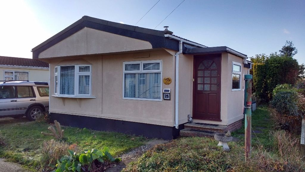 3 Bedroom Mobile Home For Sale Alpha Avenue Oxford OX44 9BQ