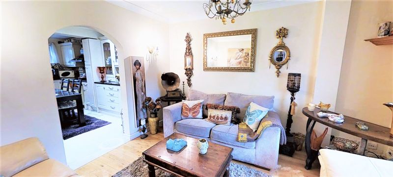 4 bedroom house for sale the fairway london n for Fairway house cleaning