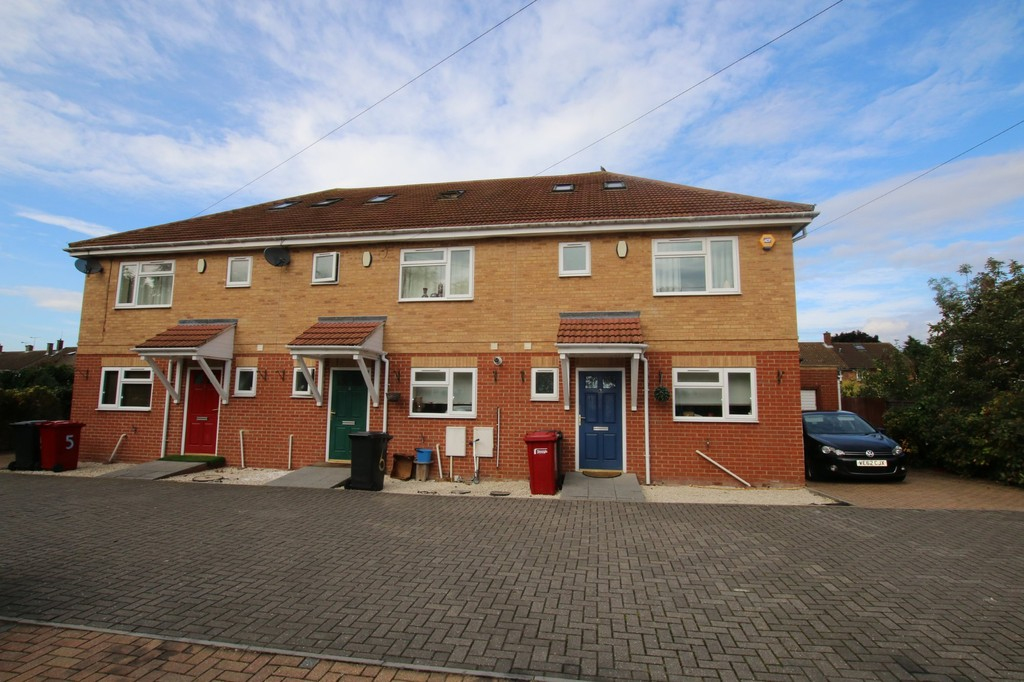 4 Bedroom Terraced House For Sale Old Bath Road