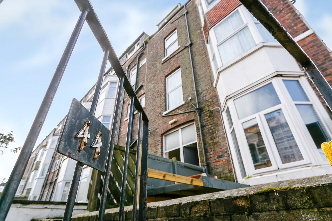 2 Bedroom Flat For Sale Promenade Bridlington East