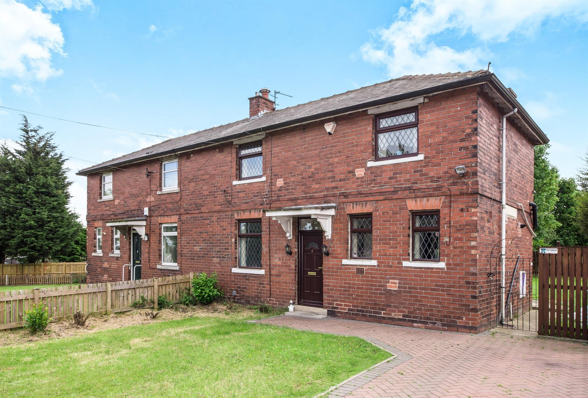 3 Bedroom Semi Detached House For Sale Swain House Road