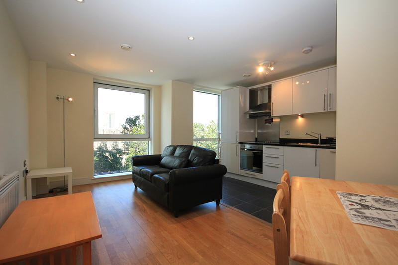 interior of small bedroom 2 bedroom flat to rent wharfside point south prestons 15658