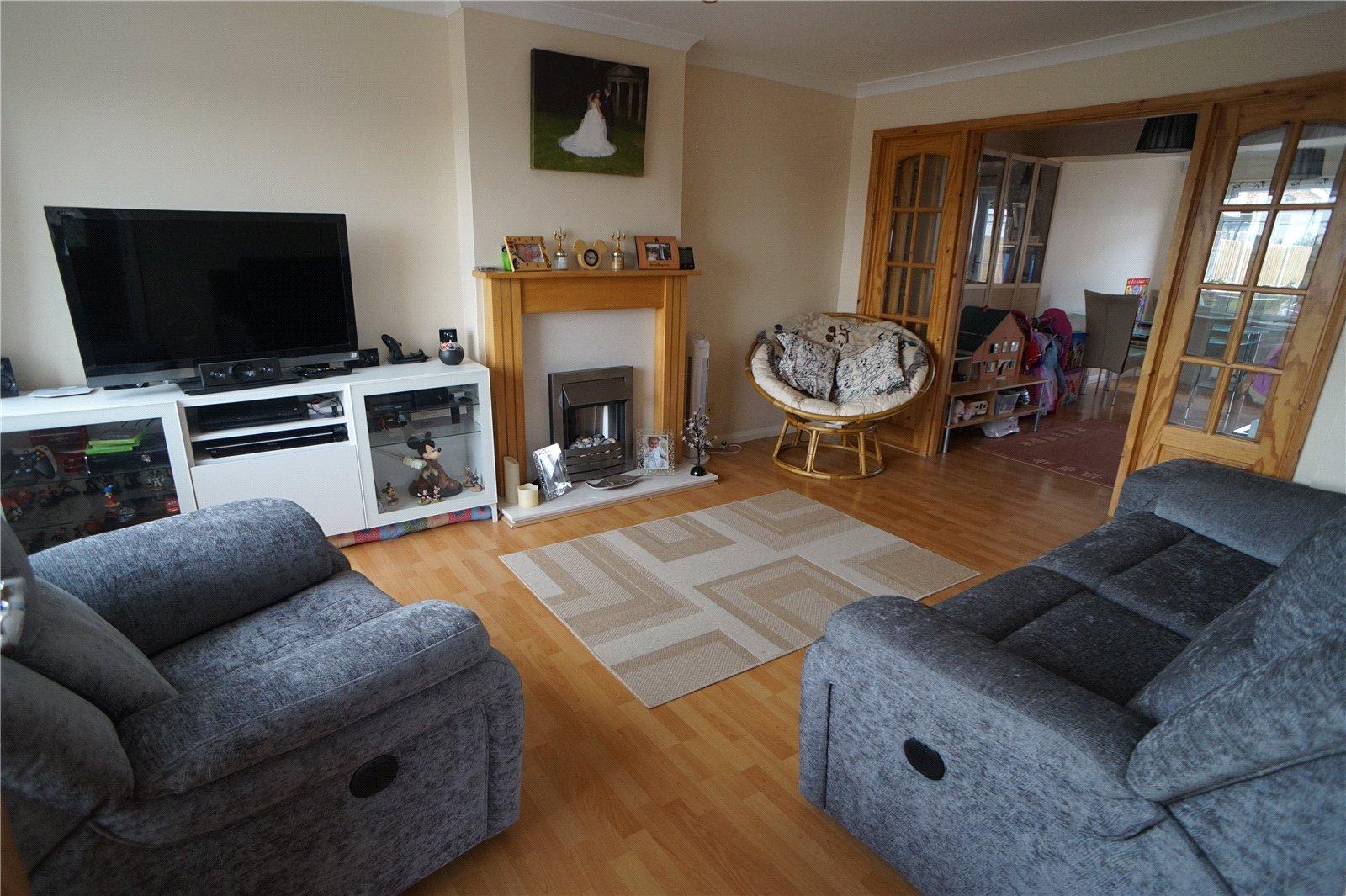 4 Bedroom Semi Detached House For Sale Thong Lane Gravesend Da12 4lh