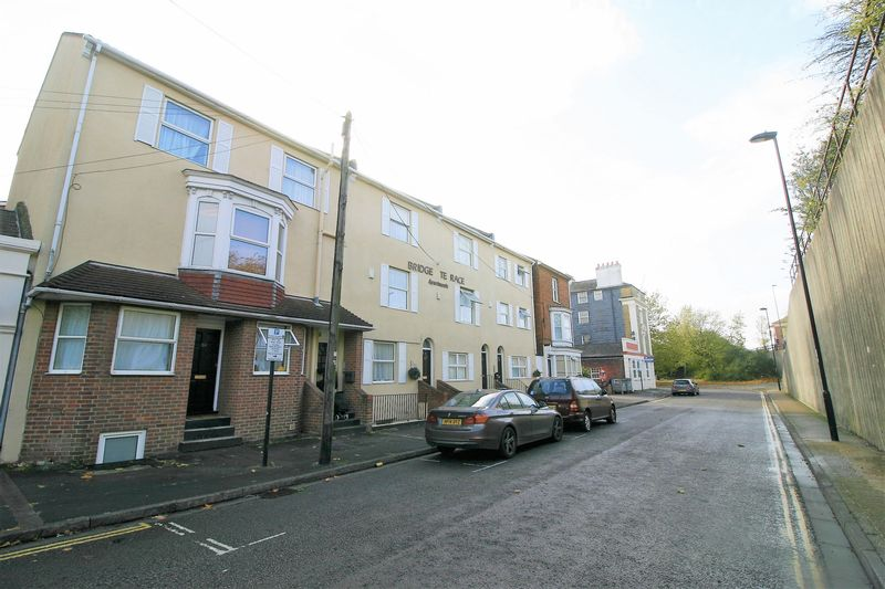 Property For Rent In Ocean Village Southampton