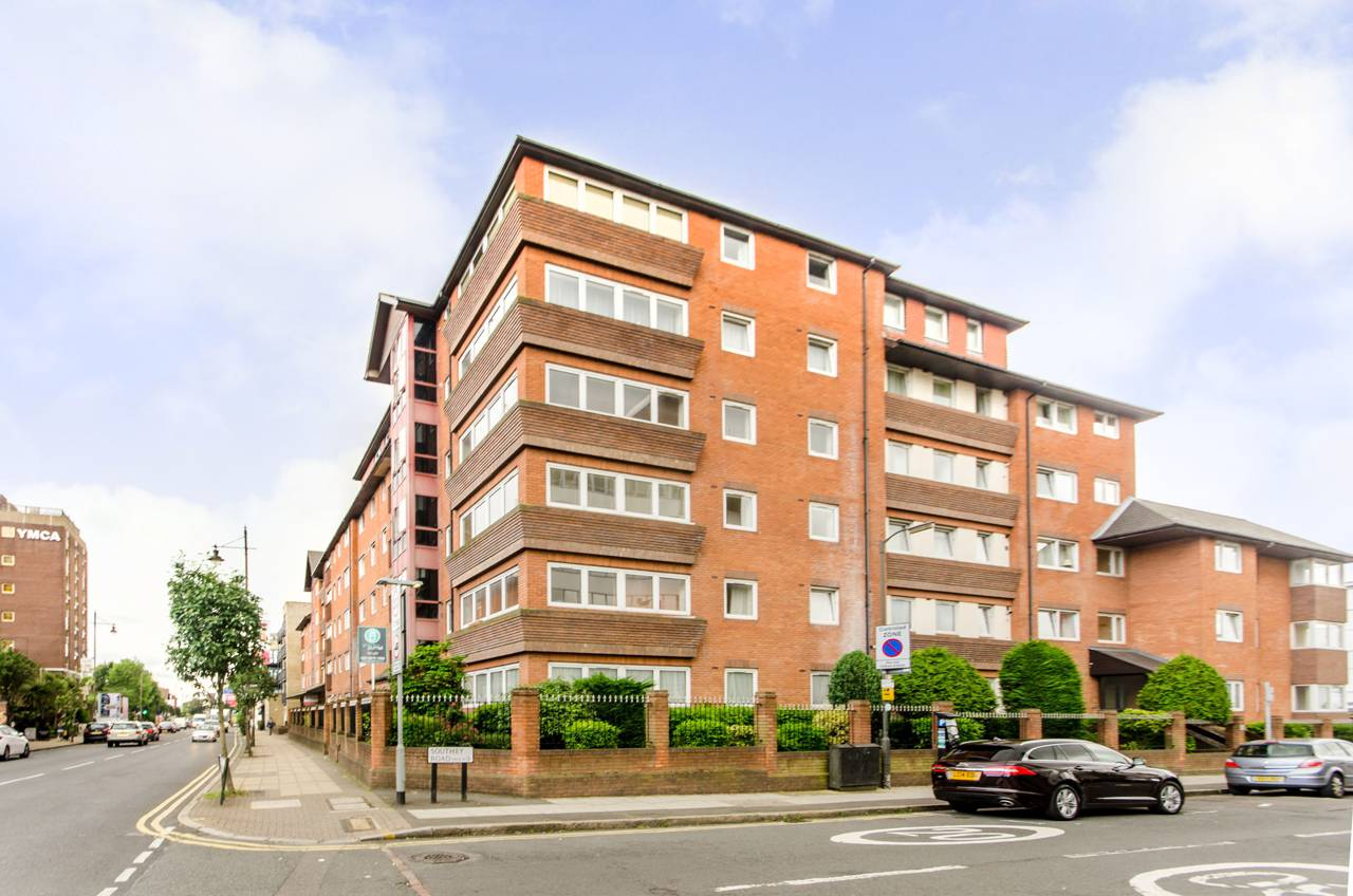 2 Bedroom Flat To Rent The Broadway Wimbledon Sw Sw19
