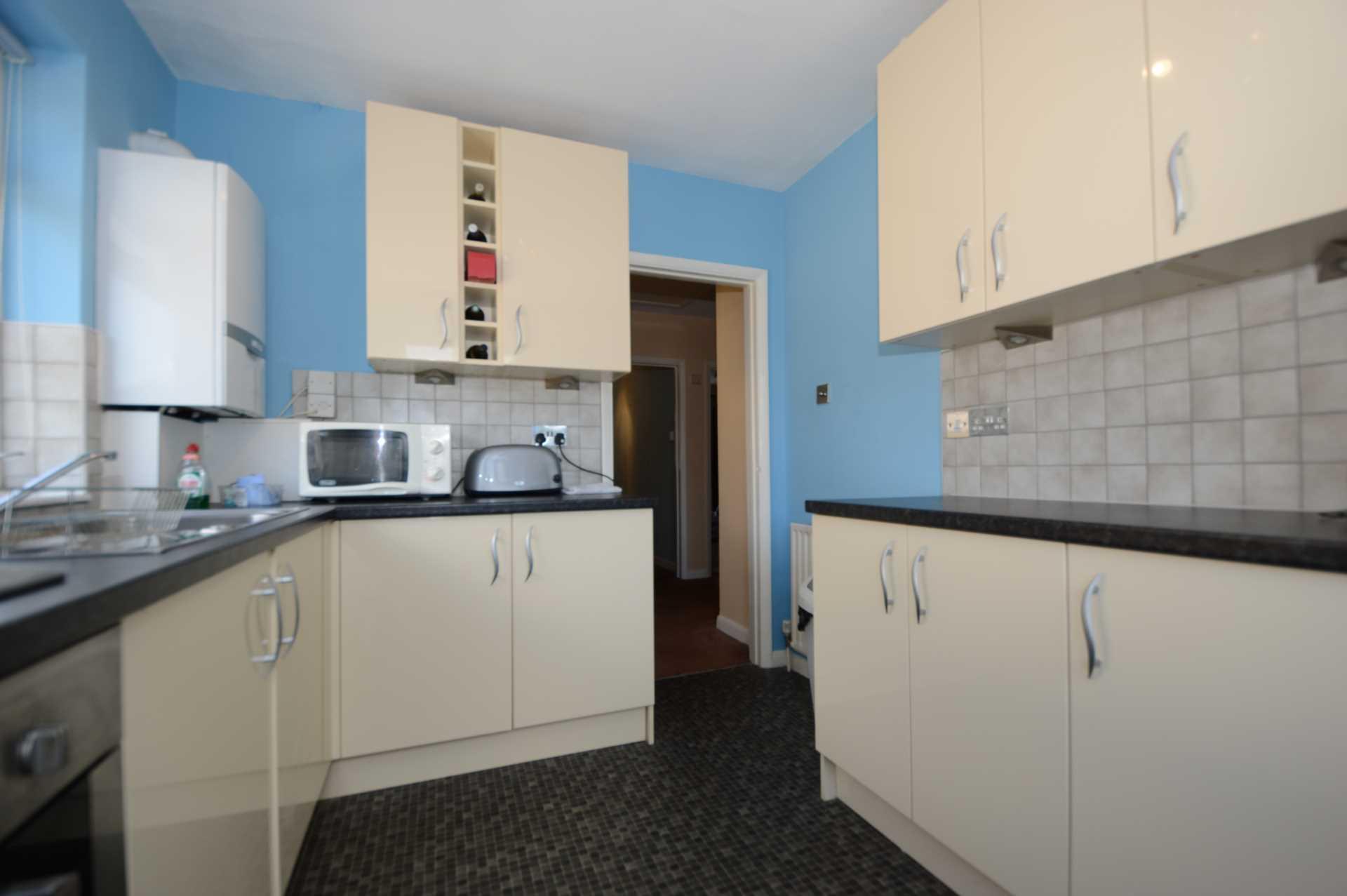 2 bedroom flat for sale, Beaconsfield Road, London, N11 3AA ...