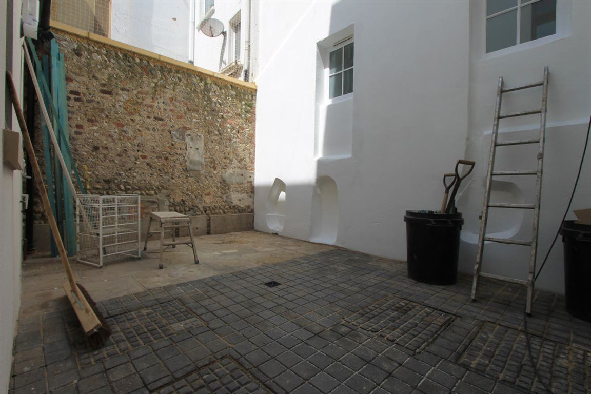 1 bedroom apartment to rent castle street brighton east for Room to rent brighton
