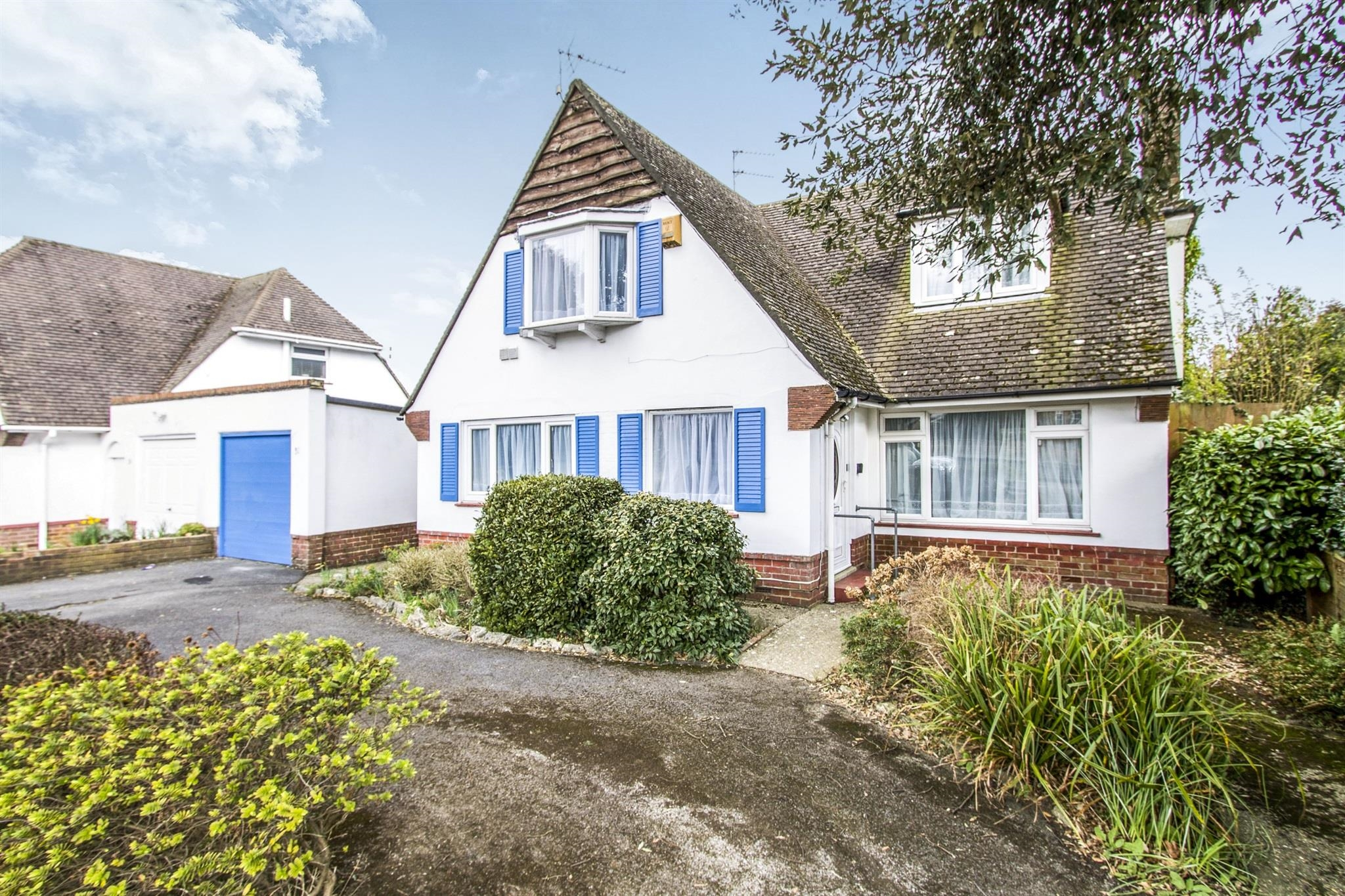 3 Bedroom Bungalow For Sale Wellington Road Bournemouth Bh8 8jh