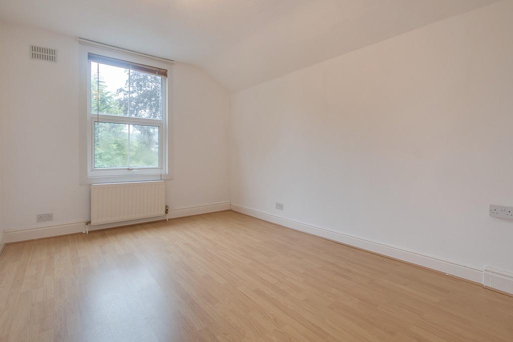 6 bedroom detached house for sale, Woodland Road ...