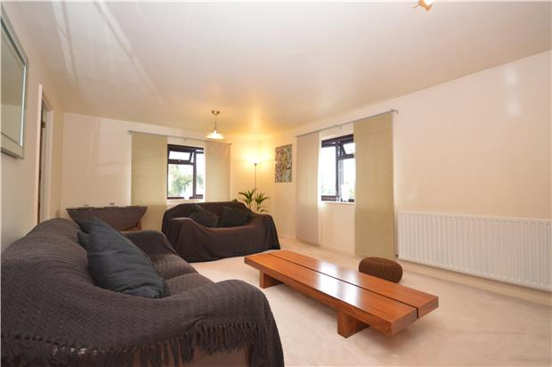 2 bedroom flat to rent chandler court holmwood gardens