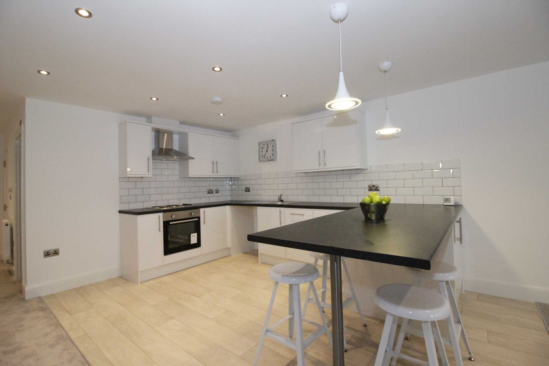 Is 747 A Good Credit Score >> 1 bedroom flat for sale, Mariner House, High Street, Southend-on-sea, SS1 1LL – TheHouseShop.com