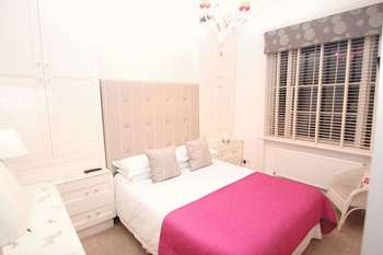 7 bedroom property for sale hamiltons boutique hotel for 1 royal terrace southend on sea