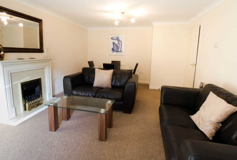 2 bedroom apartment to rent annandale court warwick road