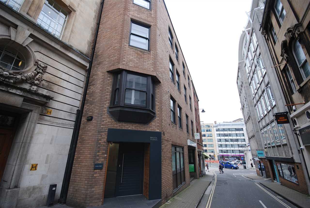 studio flat to rent small street bristol bs mount hill. Black Bedroom Furniture Sets. Home Design Ideas