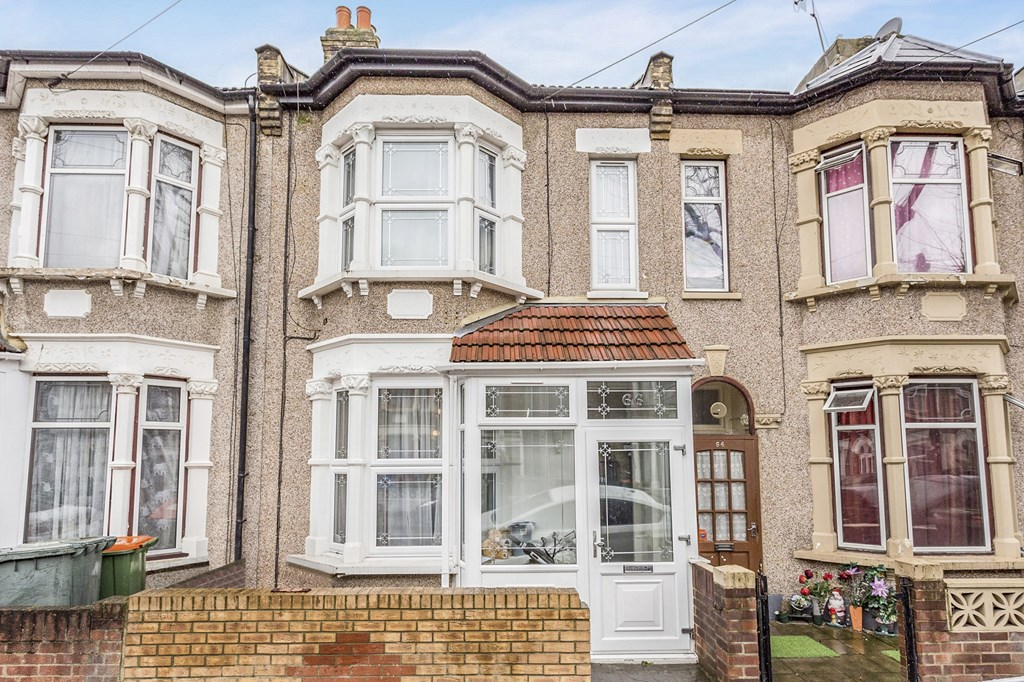 Is 747 A Good Credit Score >> 4 bedroom terraced house to rent, Third Avenue, London E, North Woolwich, E16 2EJ