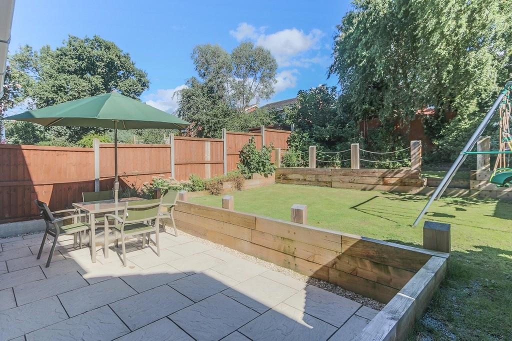 Properties For Sale On The Oakalls Bromsgrove