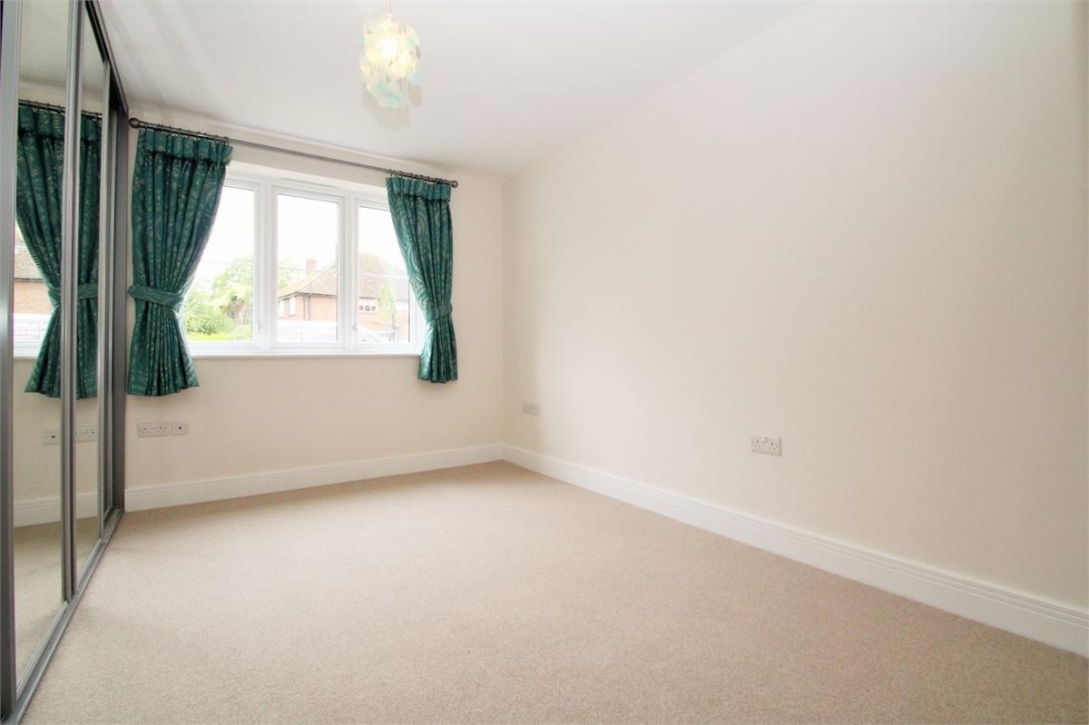 2 Bedroom Flat For Sale Pield Heath Road Hillingdon