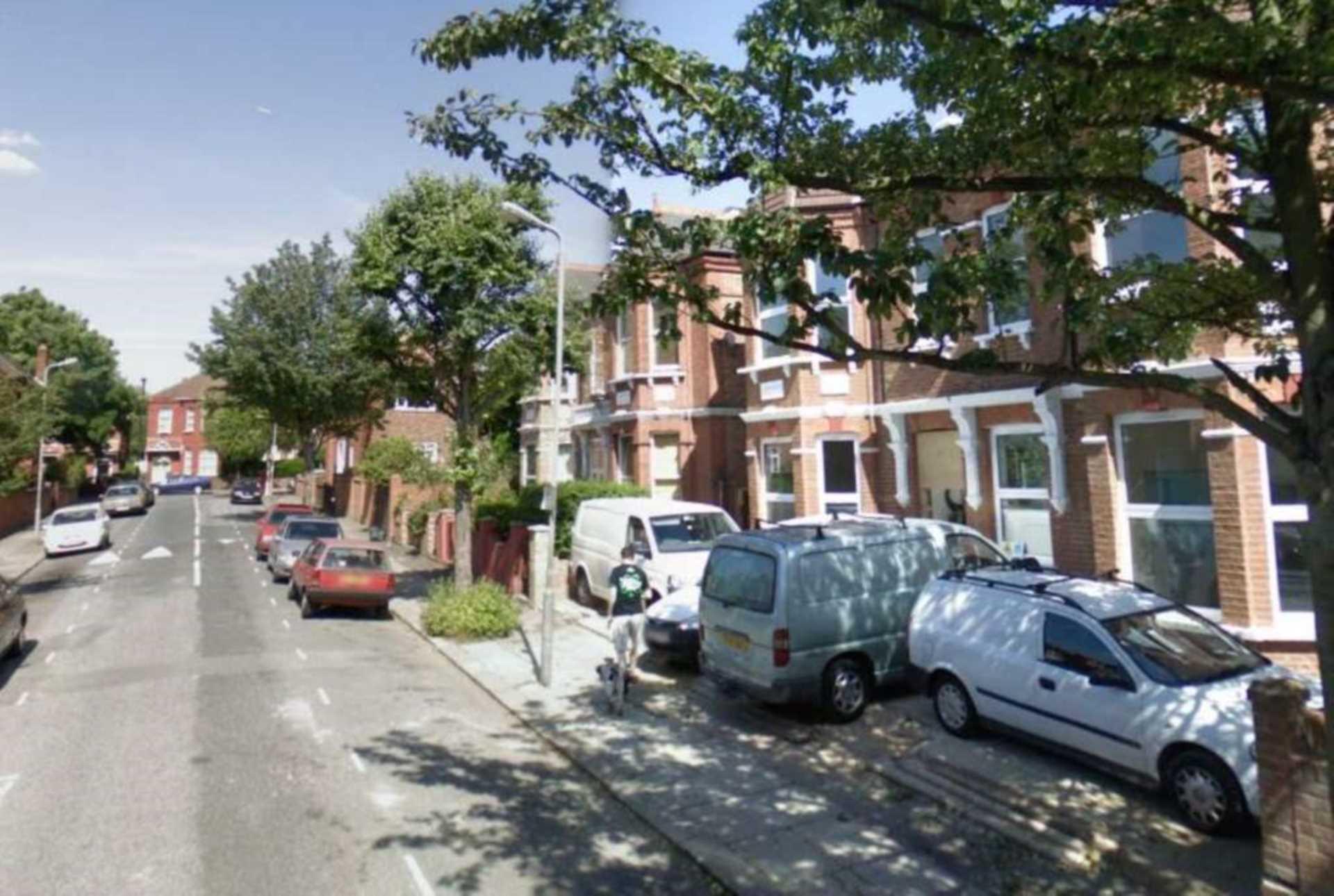 2 Bedroom Flat To Rent Skardu Road London Nw2 3es