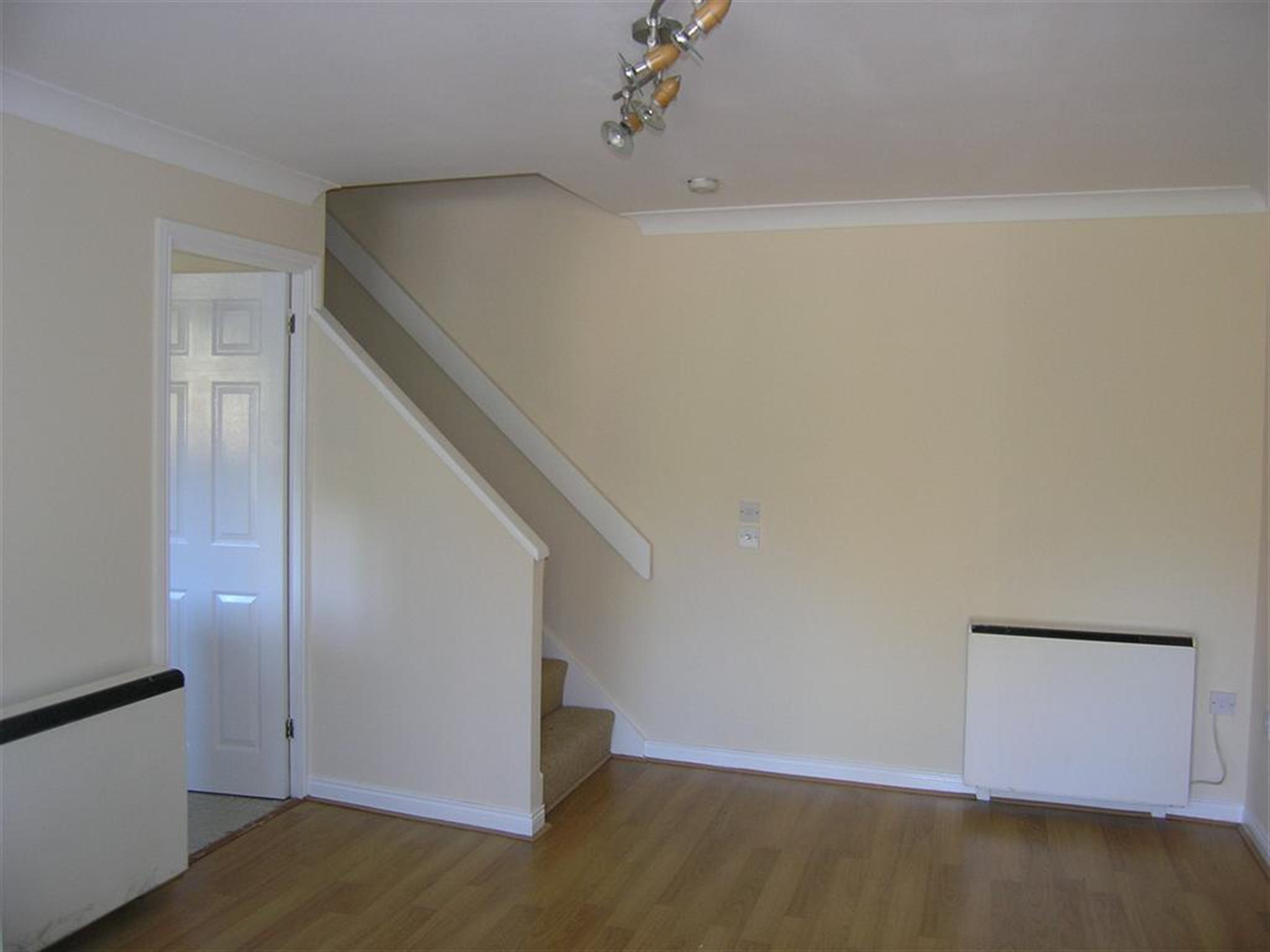 1 Bedroom House To Rent Barnum Court Swindon Sn2 2ap