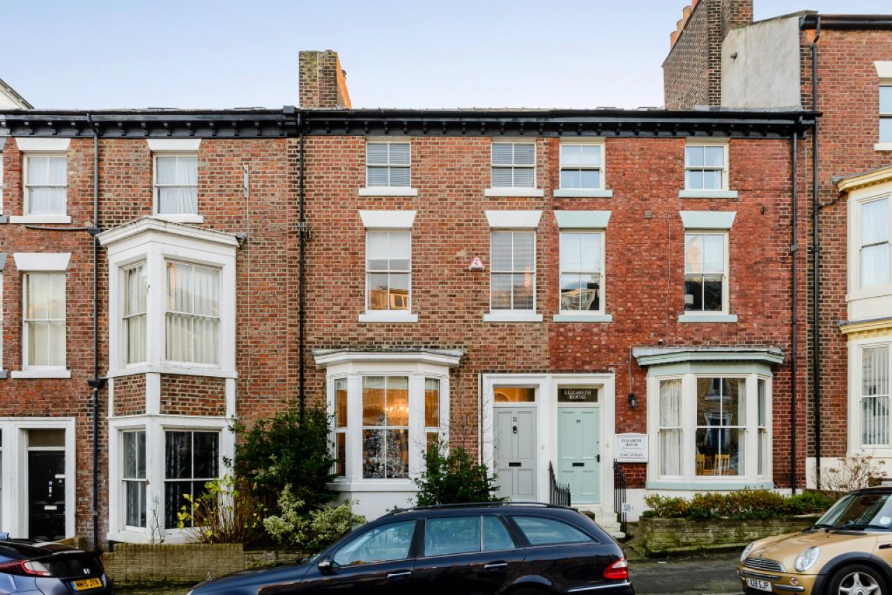 6 bedroom terraced house for sale john street whitby for Terrace house 1