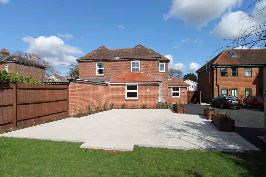 1 bedroom flat to rent winchester road bishops waltham for Chantry flats cabins rental
