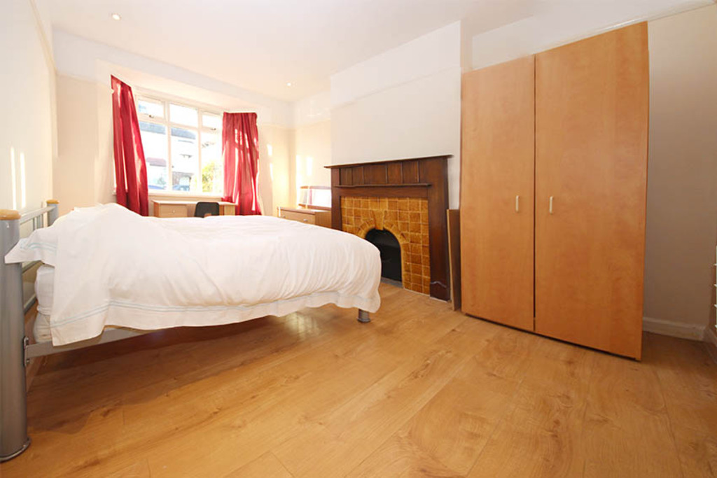 Bedroom Property To Rent Norbiton