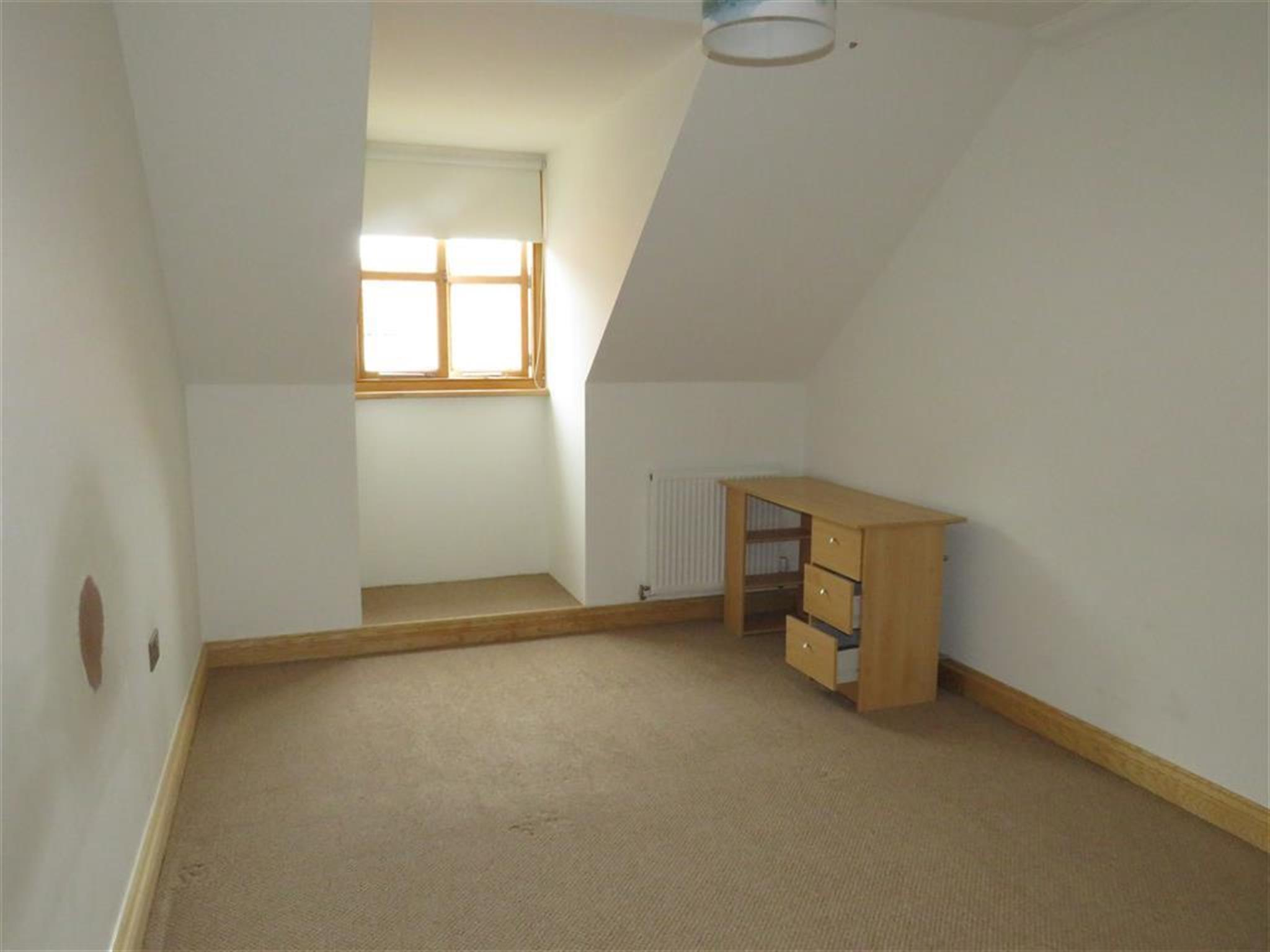 2 Bedroom Apartment To Rent Hamilton House The Street Great Saling Braintree Cm7 5fs