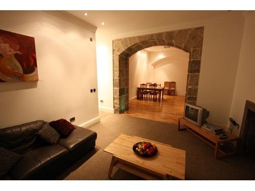 Is 747 A Good Credit Score >> 4 bedroom flat to rent, Merchant Street, Grassmarket, Edinburgh, EH1 2QD