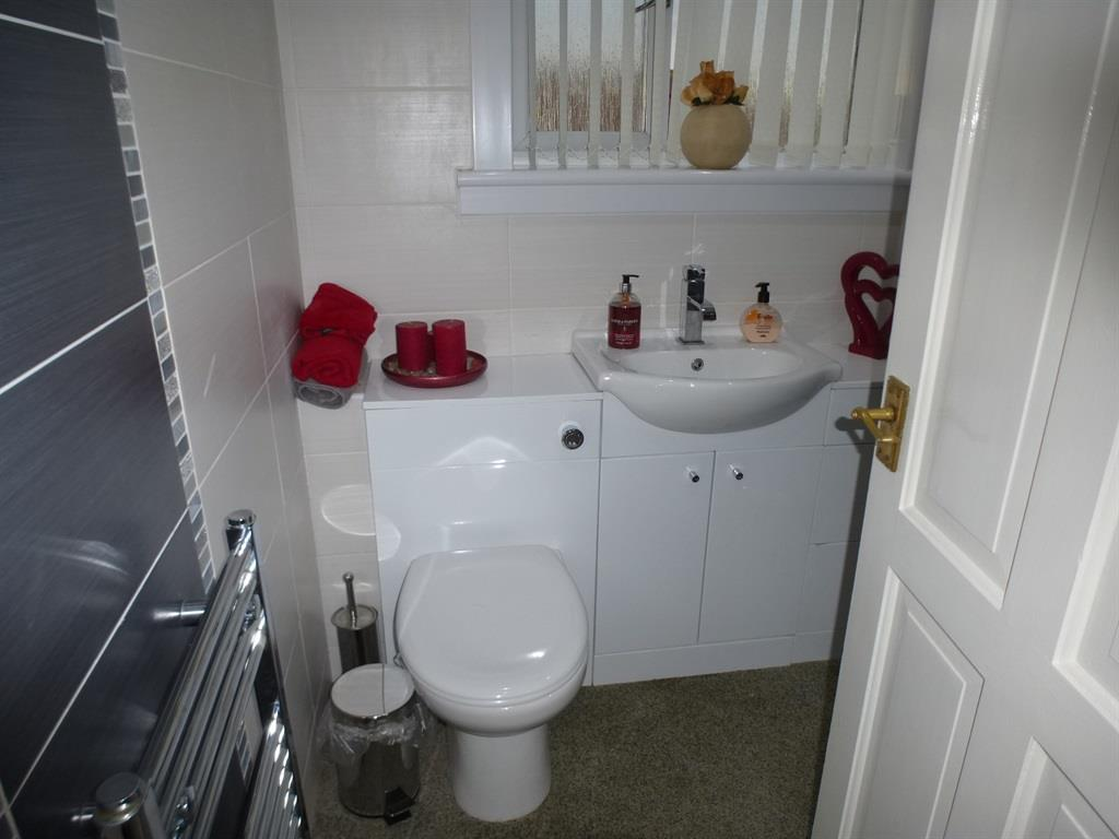 3 bedroom flat for sale fullarton street irvine ka12 for 18 8 salon irvine
