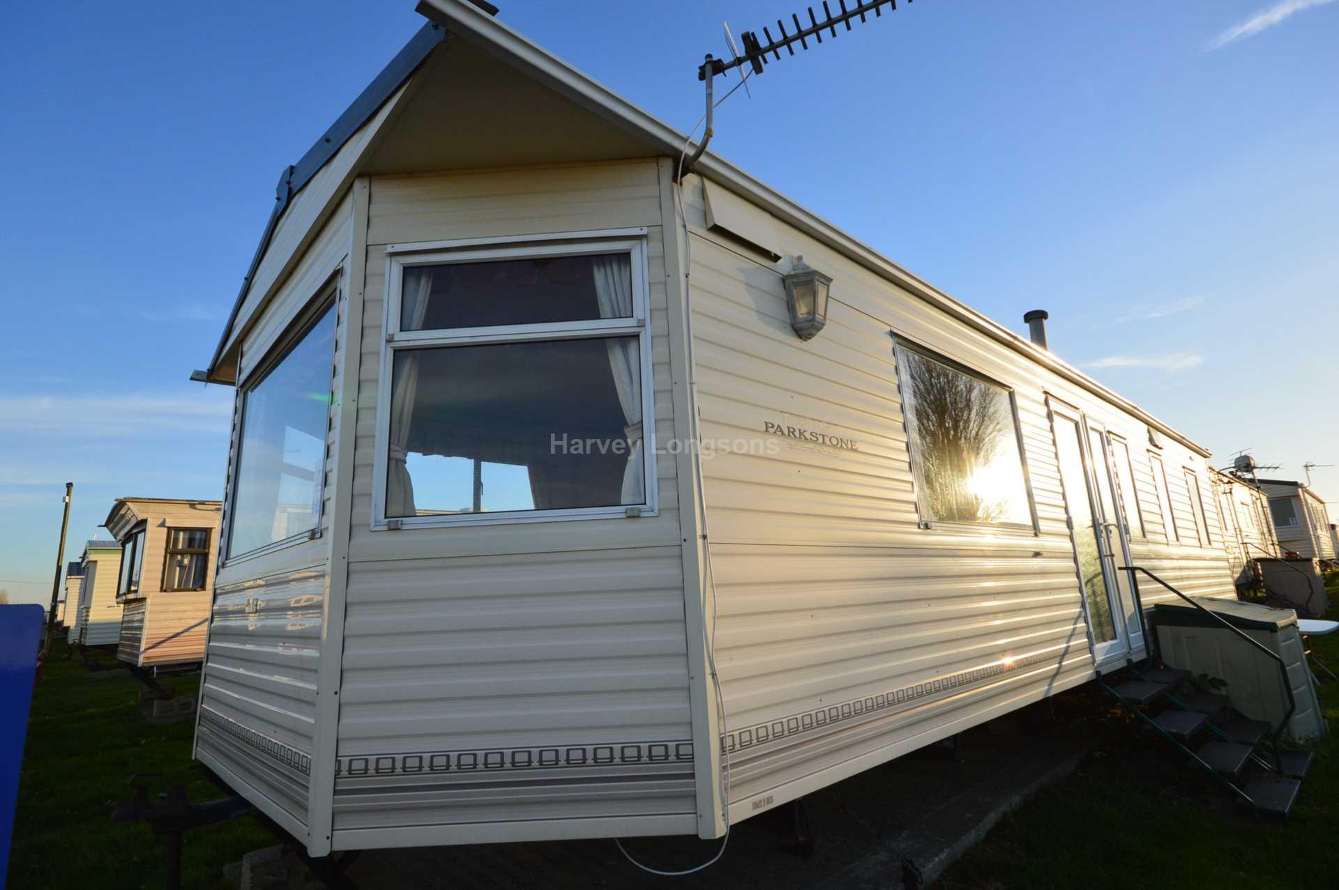 Model UK Private Static Caravan Holiday Hire At Priory Hill LeysdownonSea