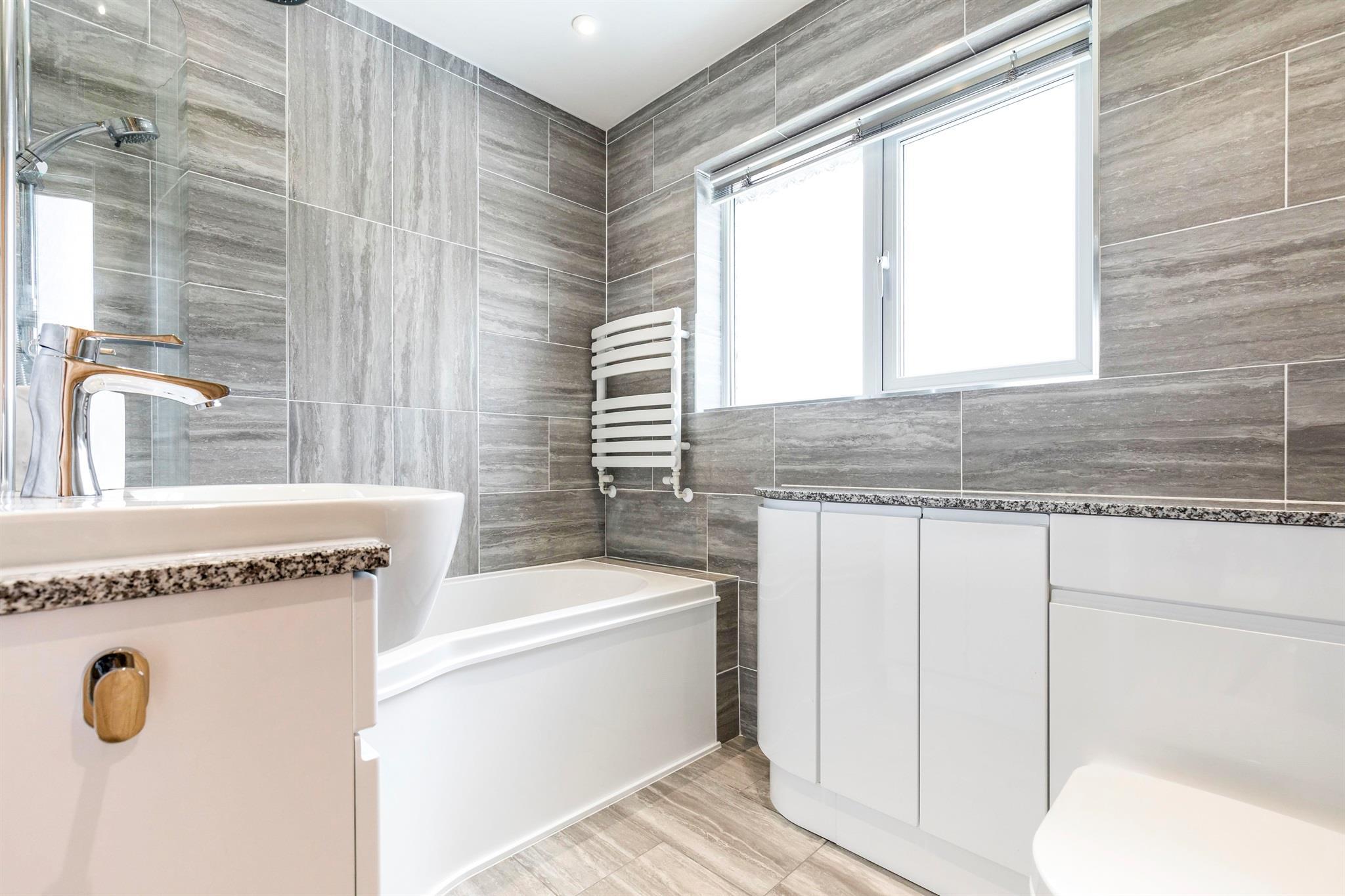 3 Bedroom Semi Detached House For Sale Privett Road