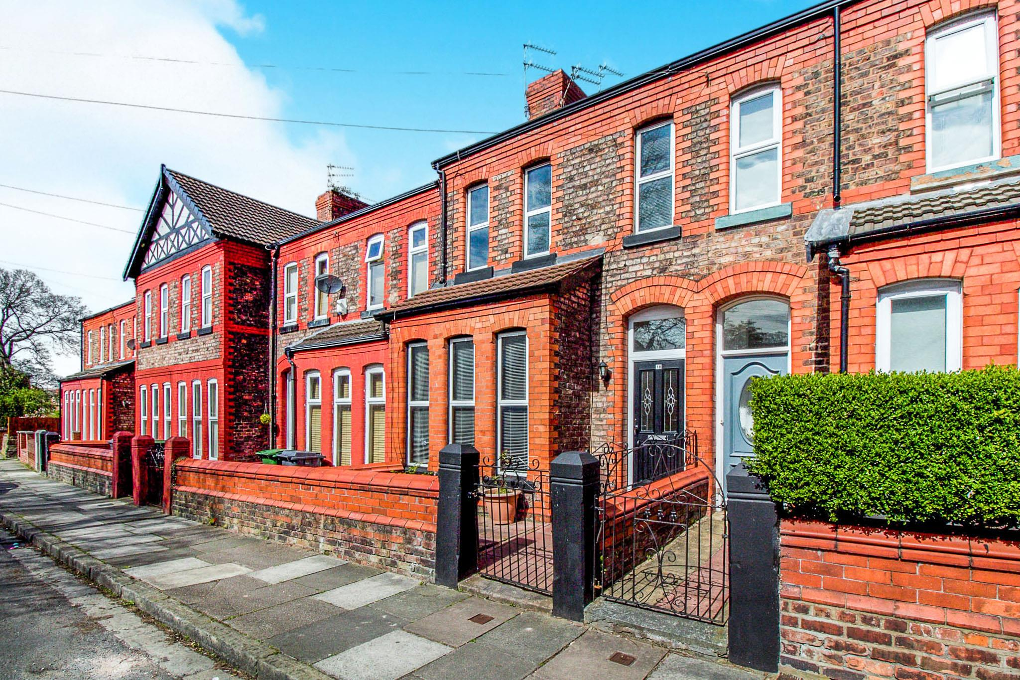 3 bedroom terraced house for sale grosvenor road prenton for Terraced house meaning