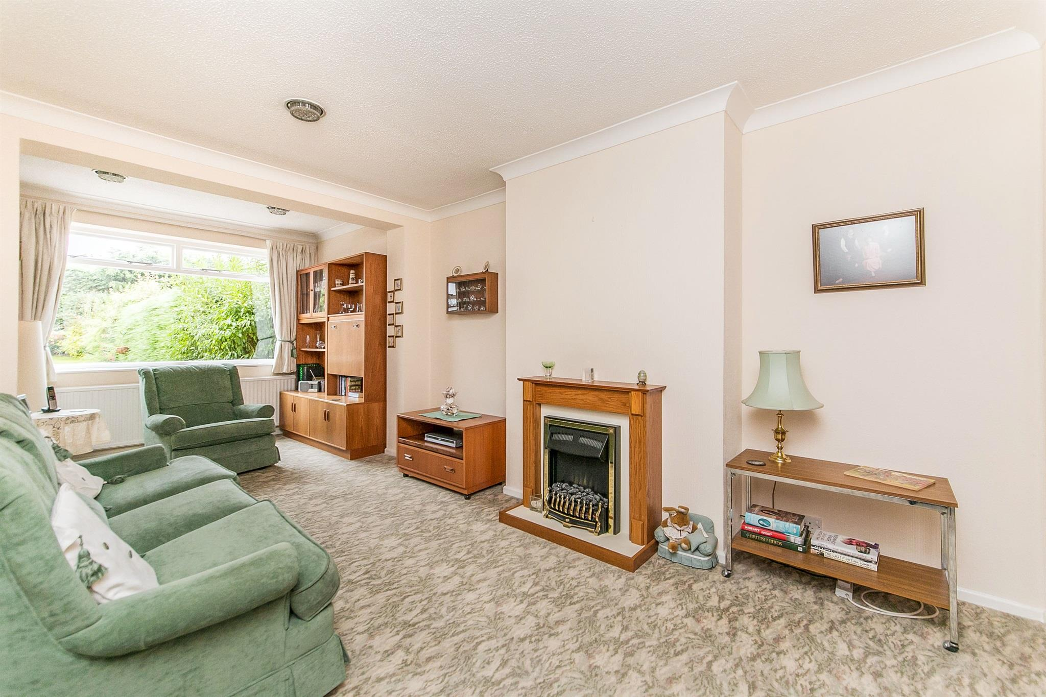 3 bedroom semi detached house for sale larchcroft road