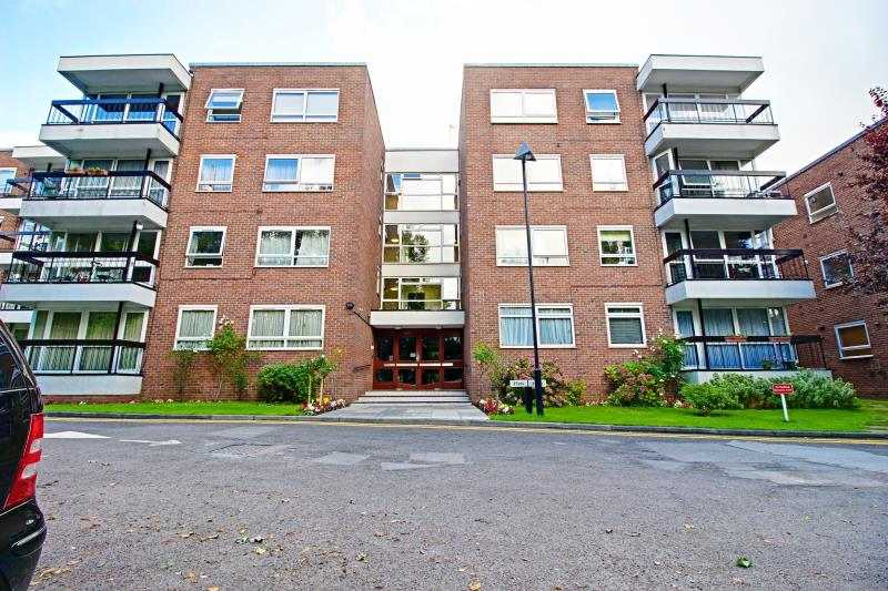 2 Bedroom Flat To Rent Greenacres Hendon Lane Finchley