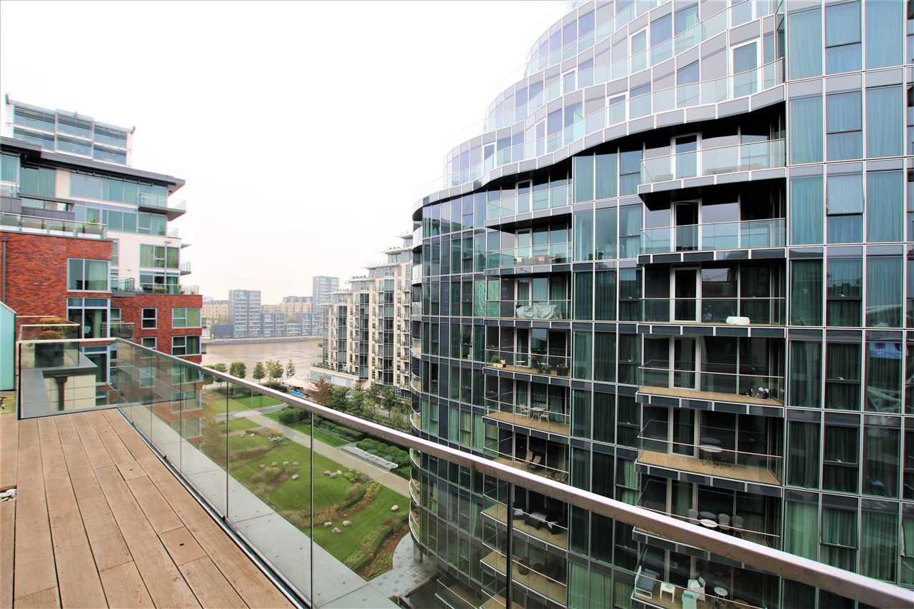 3 Bedroom Flat To Rent Quarter House Battersea Reach