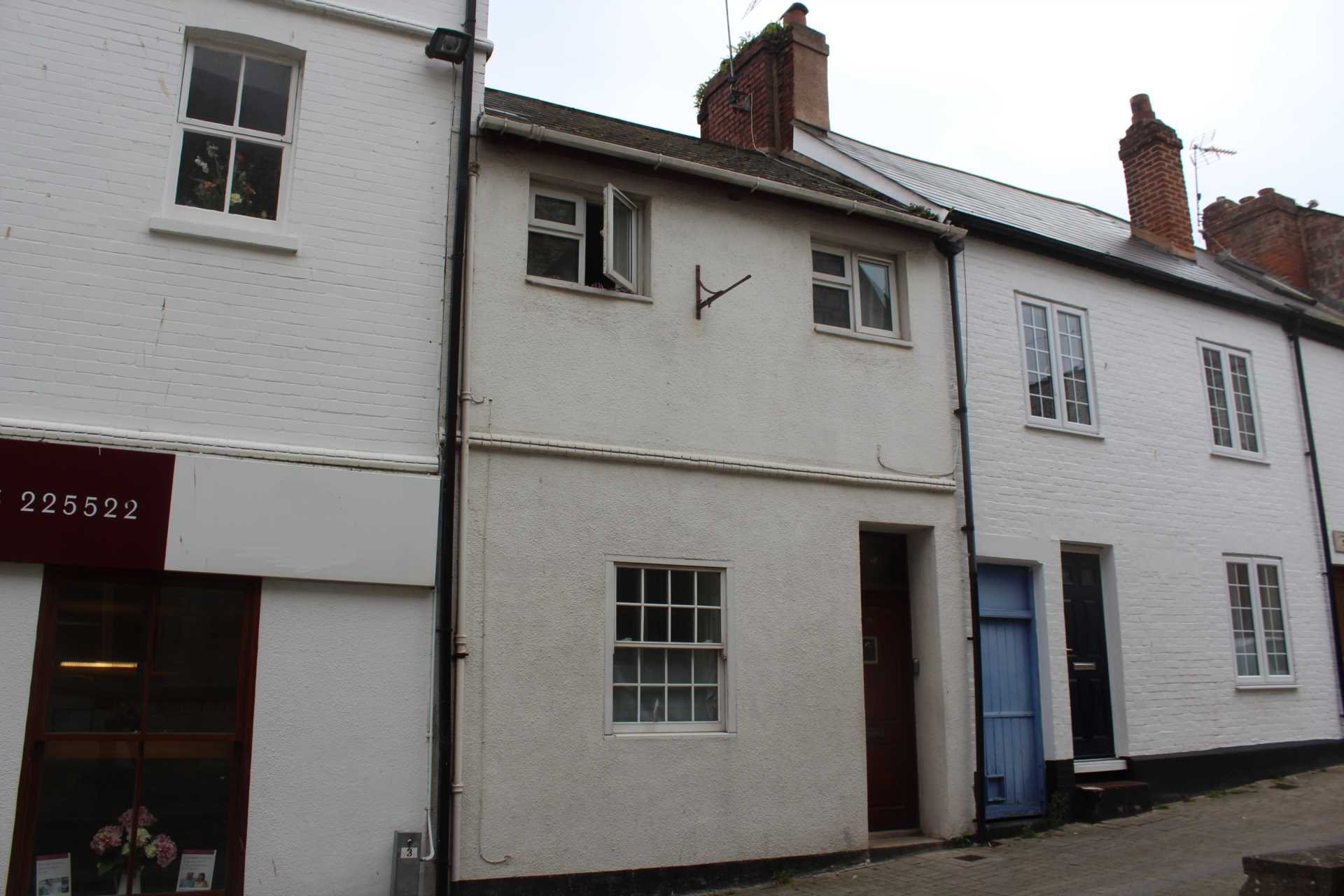 2 bedroom terraced house for sale tower street exmouth for Tower house for sale