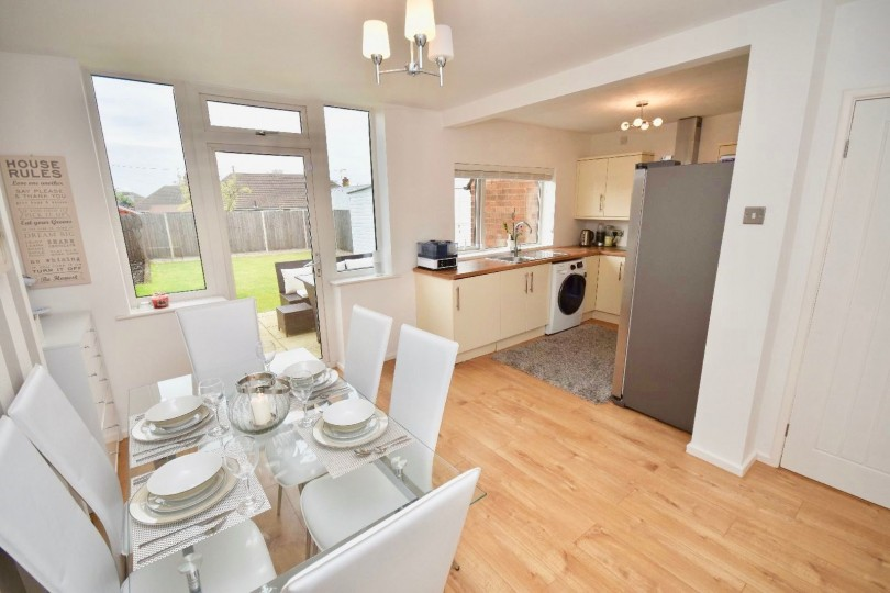 3 Bedroom Semi Detached House For Sale Oadby Road