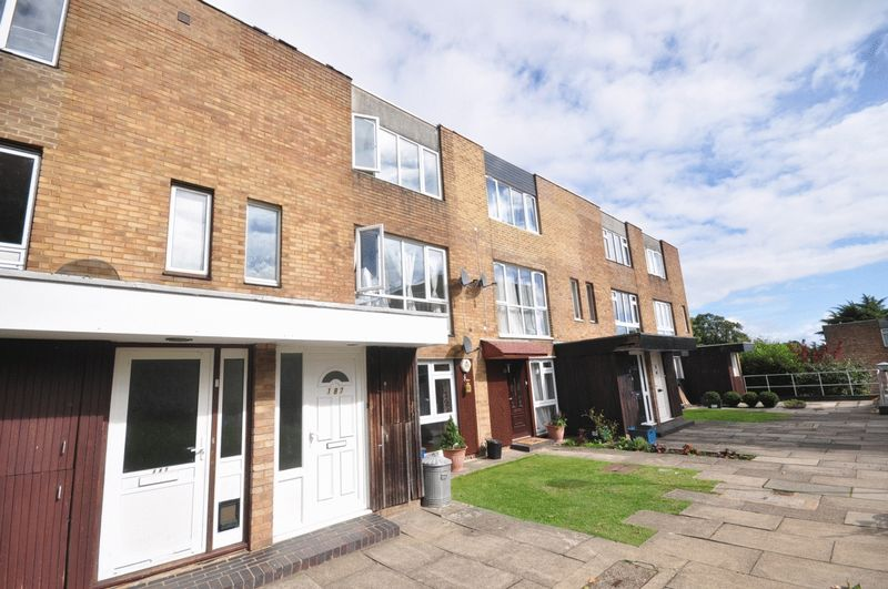 Choices Property To Rent In Croydon