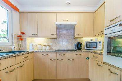 2 Bedroom Reteirment Property For Sale Station Road Plymouth Pl7 2fr