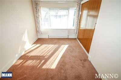 Room To Rent In Collindale