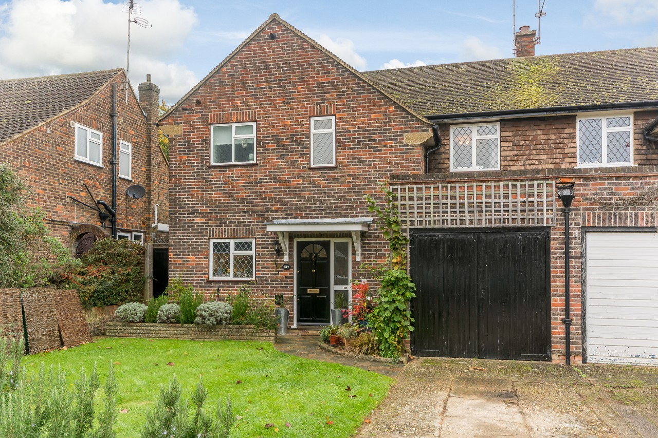 3 Bedroom Semi Detached House For Sale Norman Crescent