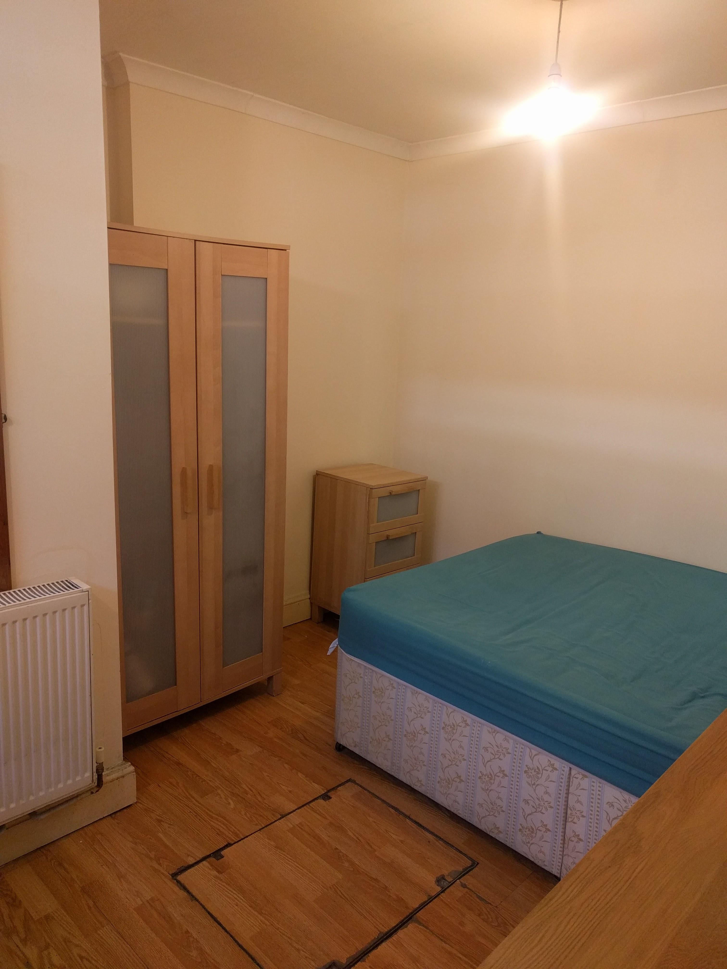 Hammersmith Double Room Rent