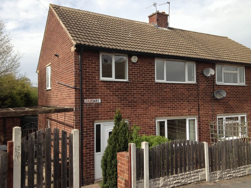 3 bedroom detached house to rent fairway dodworth for Fairway house cleaning