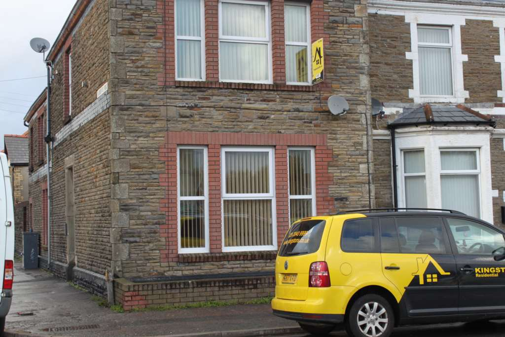 1 bedroom flat to rent keppoch street cardiff cf24 3jt - Living room letting agency cardiff ...